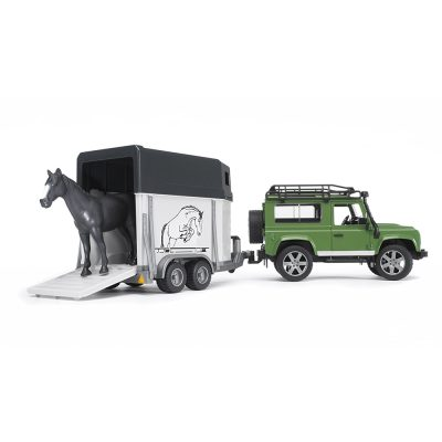 Land Rover Defender Wagon With Horse Trailer (1)